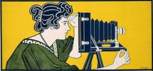 Femme photographe, affiche hollandaise « Belle Époque »de Johann Georg van Caspel (début 20e siècle pour le matériel photographique de Ivens & Co.